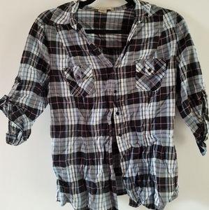 Plaid button-down 3/4 length sleeve shirt.